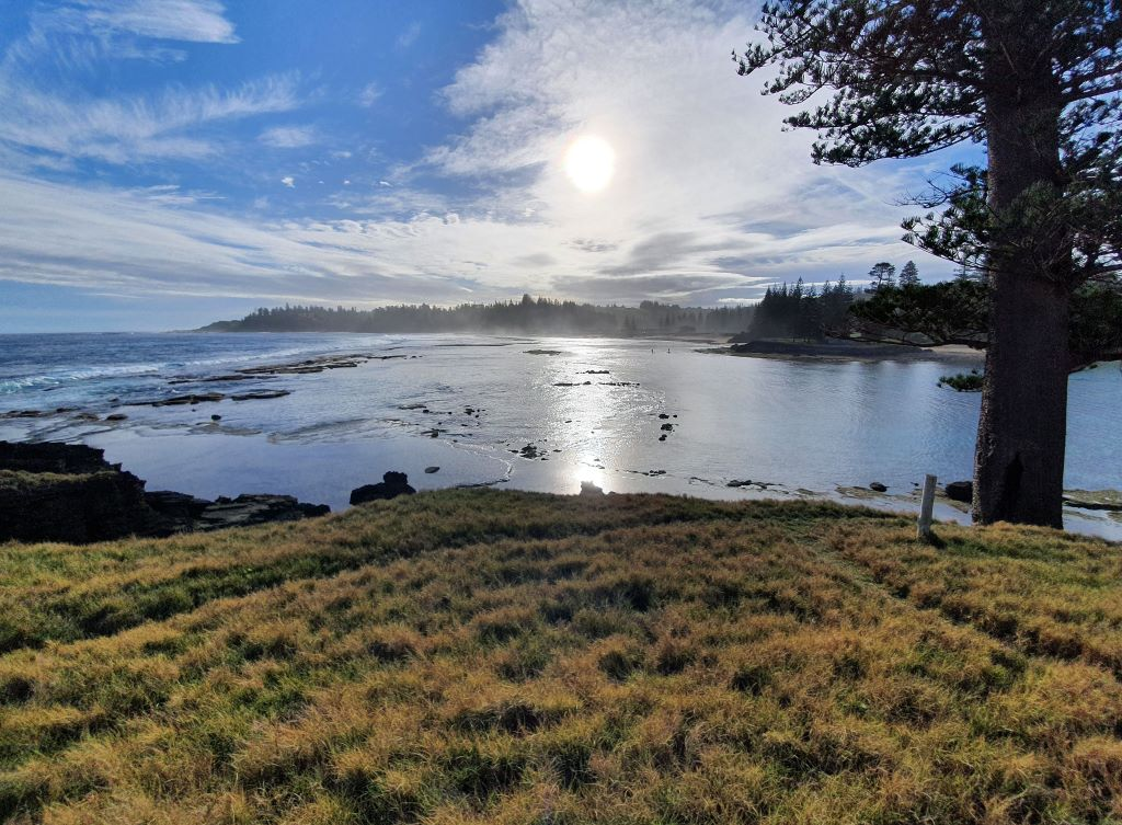 The beautiful scenery of Slaughter Bay in Norfolk Island. Image courtesy of Susan Prior.